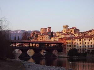 800px-Bassano_del_Grappa_overview_02_bis